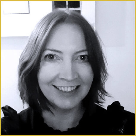 Dr Lesley Henderson